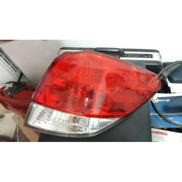 Lanterna Subaru Legacy Outback